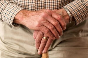 La différence entre arthrite et arthrose